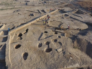 Unique golden jewelries unearthed at Kultobe ancient settlement