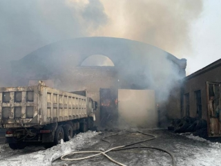 Seven trucks destroyed by uncontrolled fire in Karaganda