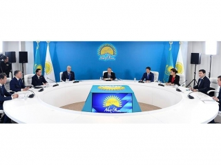 Nur Otan Party discusses agenda of upcoming session