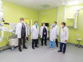 Kazakh PM visits new children's general hospital in Ust-Kamenogorsk