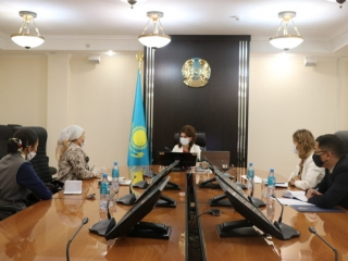 Kazakh Information Minister, heads of private mass media meet