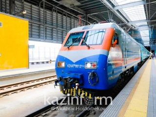 Kazakhstan to buy 100 passenger carriages