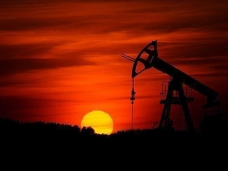 Oil prices down as US stocks fall less than expected