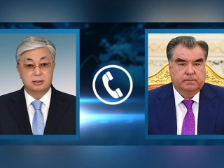 Head of State has telephone conversation with President of Tajikistan
