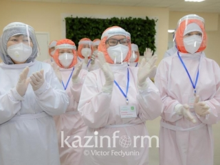 Kazakhstani doctors' salaries to grow 2.5 times by 2023