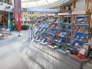 Kazakhstan donates literary works to National Library of Belarus
