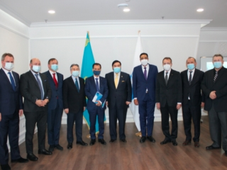Chairman of Nazarbayev Center holds meeting with heads of foreign diplomatic missions